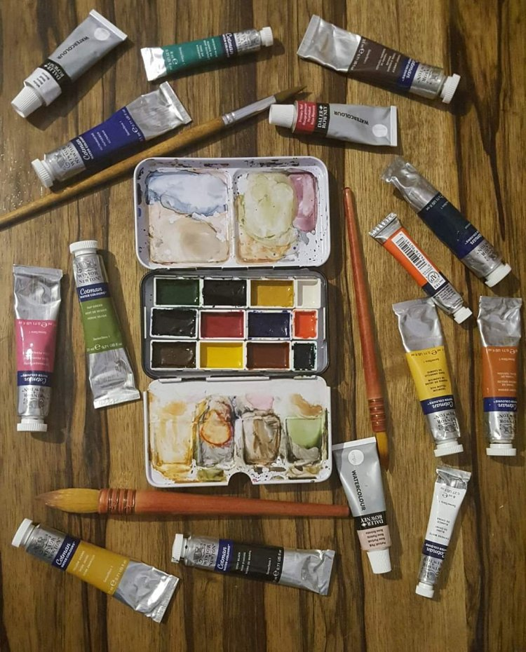 ألوان مائية