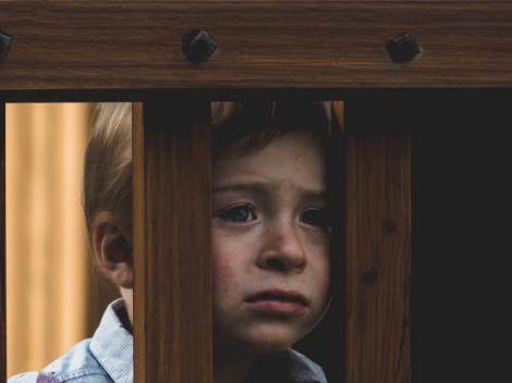 ما هي العلامات التي تشير إلى أن الطفل أو الرضيع يعاني من سوء المعاملة فيالحضانة؟